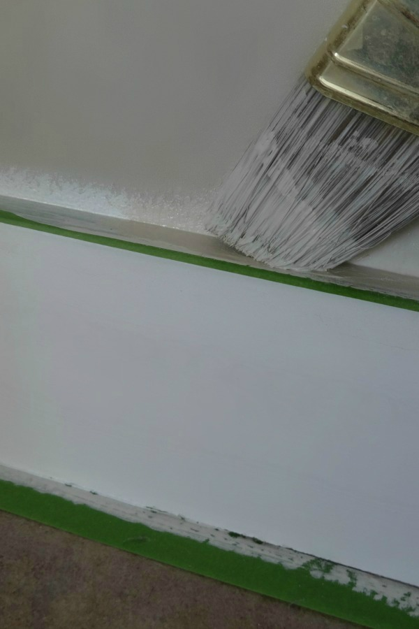 How to paint clean lines without paint bleeding under the for Painting lines on walls