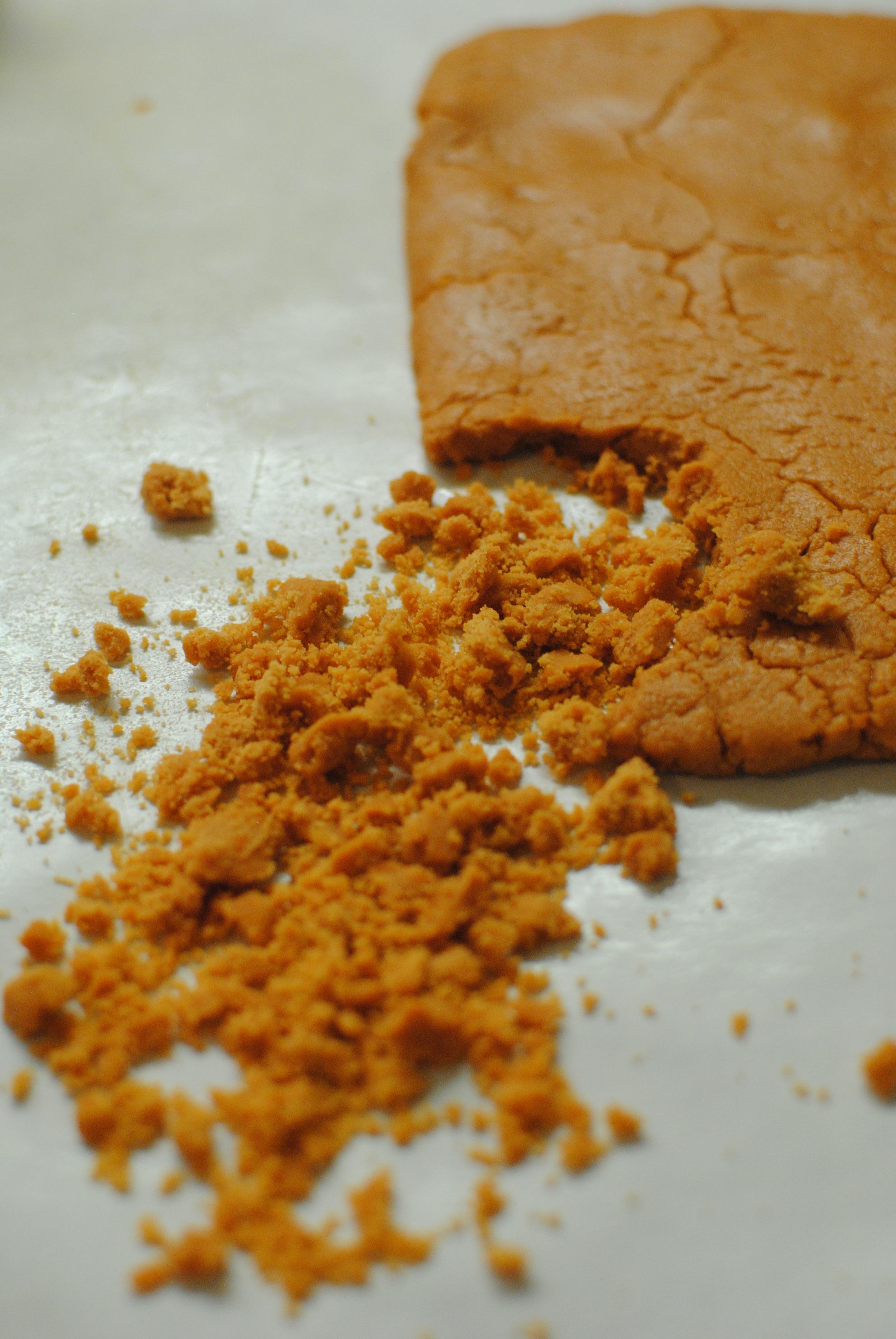 Butterfinger Rice Krispy Treats Shaped as Pumpkins1