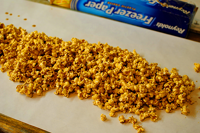Perfect Microwave Caramel Corn 3