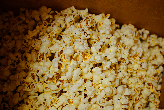 Perfect Microwave Caramel Corn 4