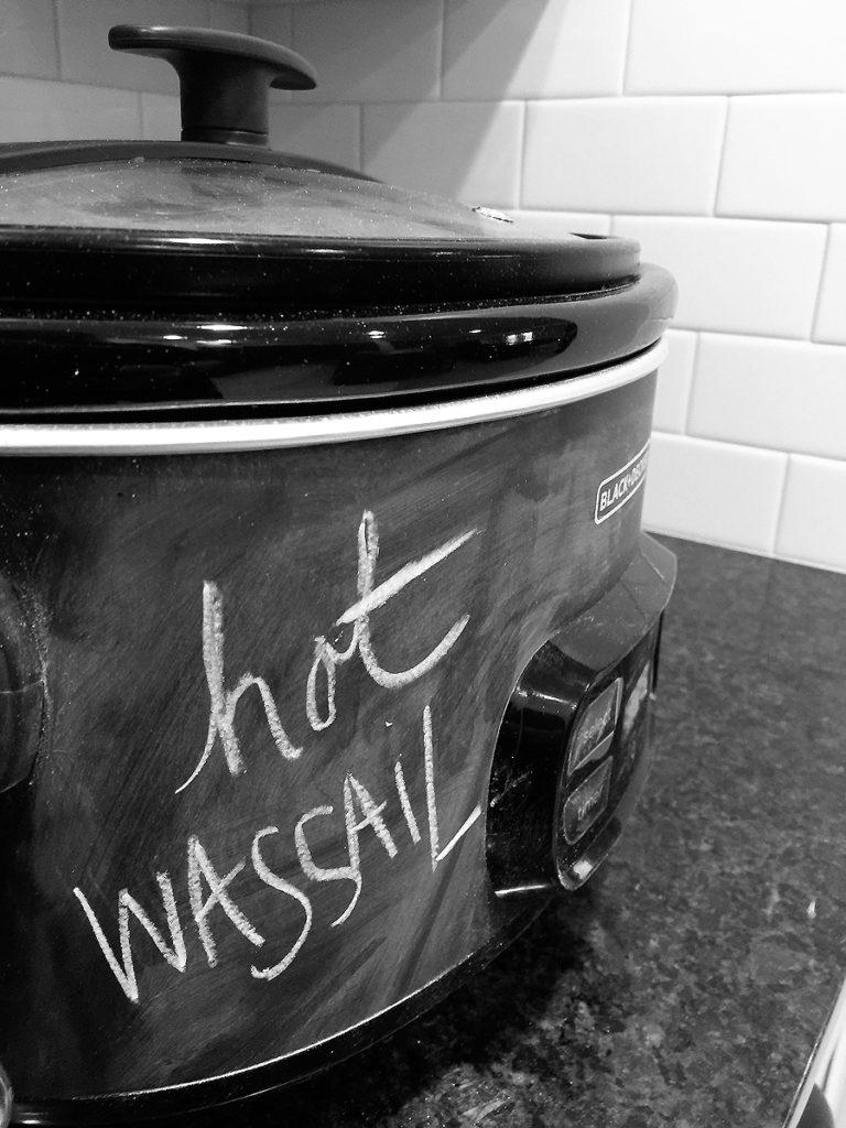 hot-wassail-slow-cooker-chalkboard