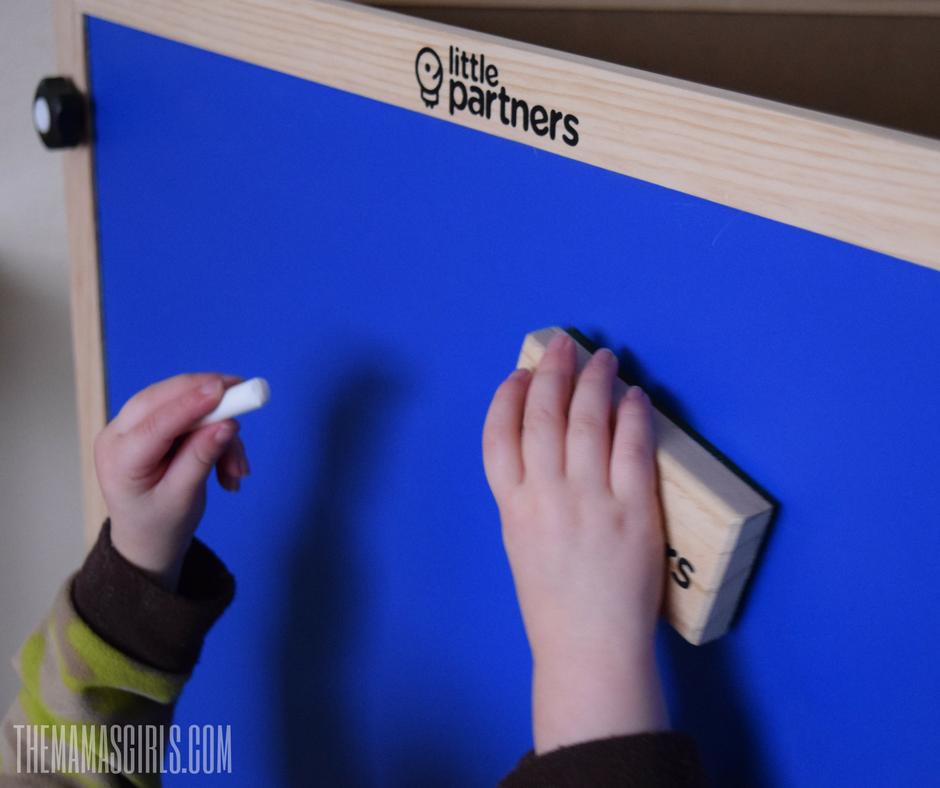 kids-chalk-board-stand